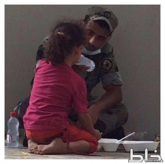 صورة لجندي من مركز خاط بالمشاعر المقدسة تشعل مواقع التواصل الاجتماعي