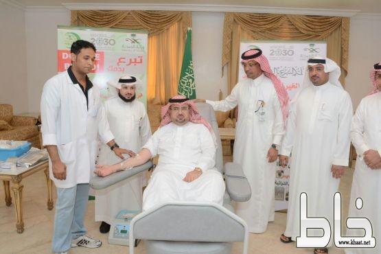 محافظ محايل يدشن حملة التبرع بالدم تحت شعار قبل شهر الخير تبرع بدمك للغير
