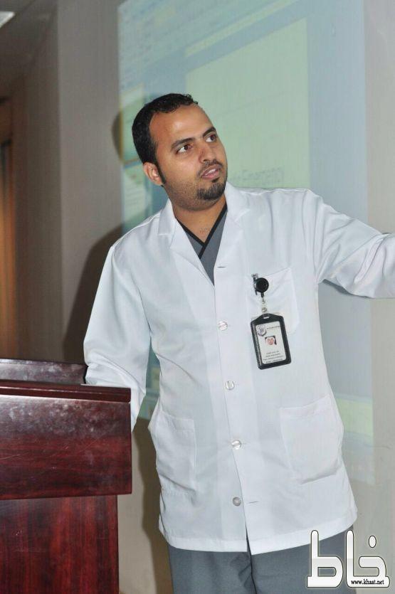 ناصر عوض العمري يبدأ اولى أيامه في عالم الطب