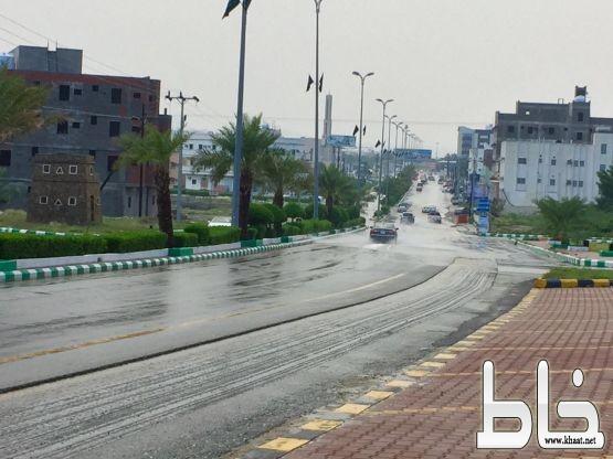 بالصور : أمطار متوسطة على محافظة #المجاردة ومركز #خاط