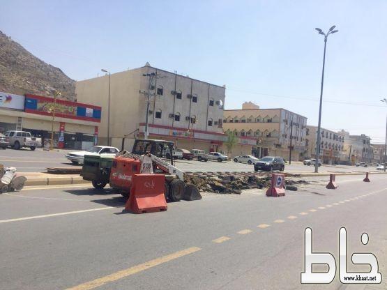 تفاعلاً مع #خاط بلدية المجاردة تعيد صيانة العبارة المقابلة لمجمع النورس
