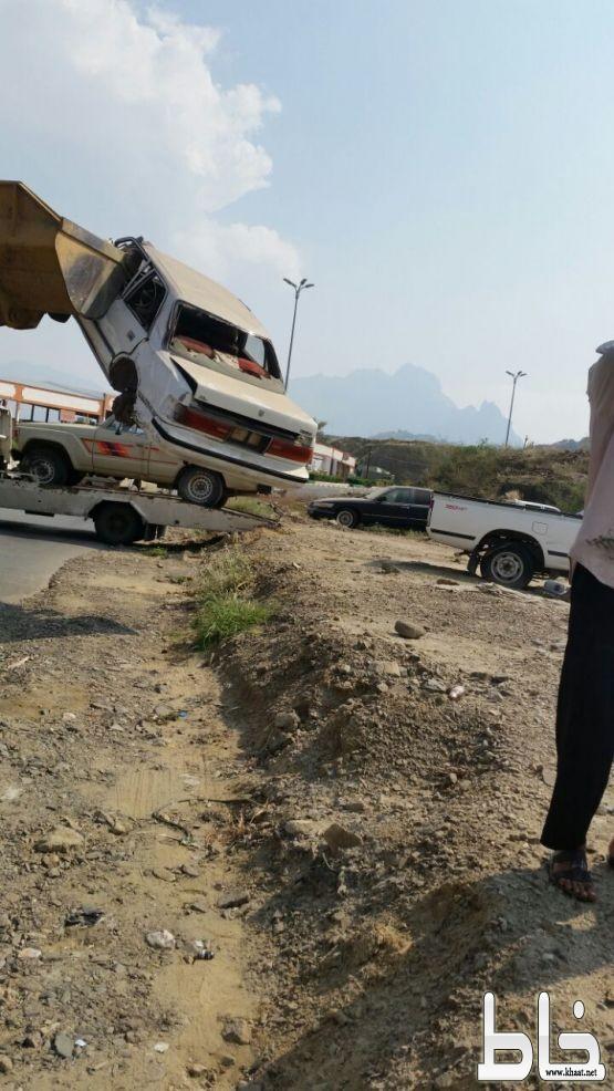 مرور #المجاردة يزيل السيارات التالفة