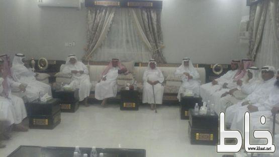 الشيخ احمد بن ياسين يحتفل بافتتاح منزله الجديد