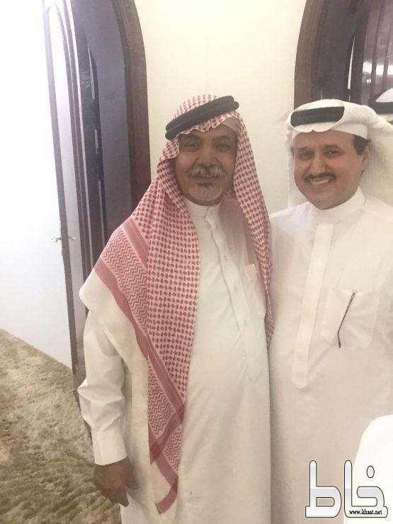 العميد عبدالله بن طالع العمري يكرم الشاعر الرمز سعيد بن ذياب بمبلغ 50000 خمسون الف ريال.