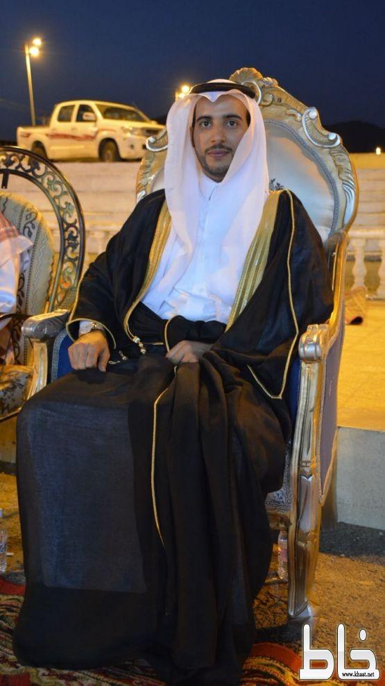الأخصائي عوض محمد الشهري يحتفل بزواجه