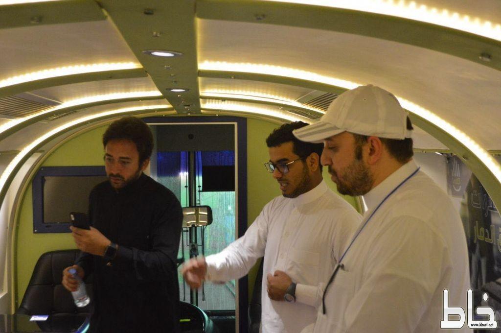 مذيع المكس اف ام ياسر سقاف في مهرجان ارض المعرفة والترفية بجدة ويدعو الإعلاميين لزيارته