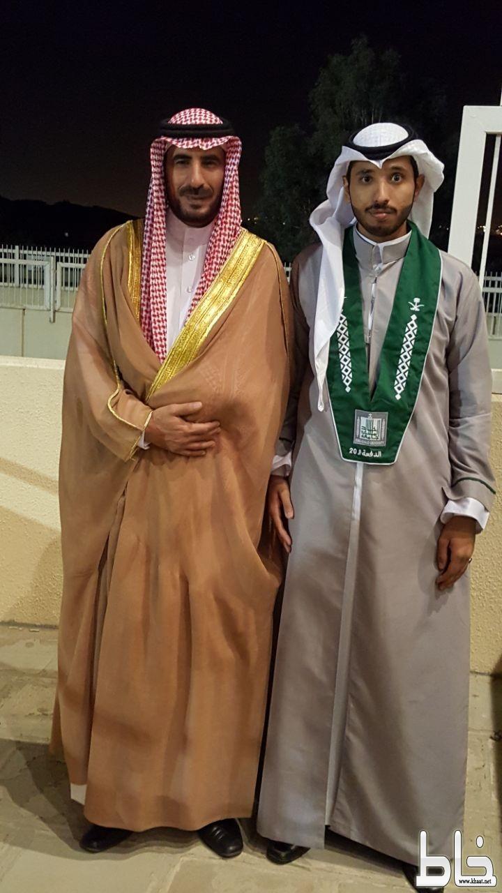 المهندس علي صاحب ماشي العمري يحتفل بتخرجه