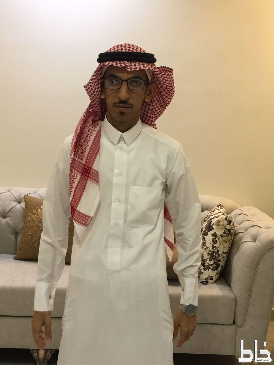 بالصور .. سمحان سحمي يحتفل بعقد قرانه