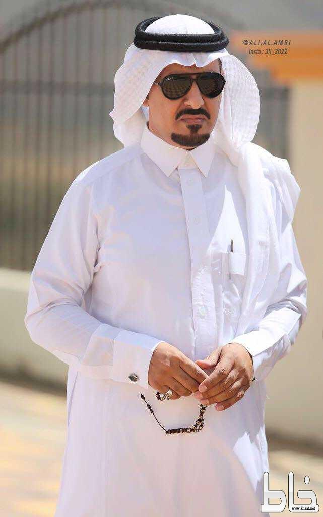 الاستاذ خالد ظافر ضيف شخصيات : عمل بامارة عسير .. ويحب التراث والترحال
