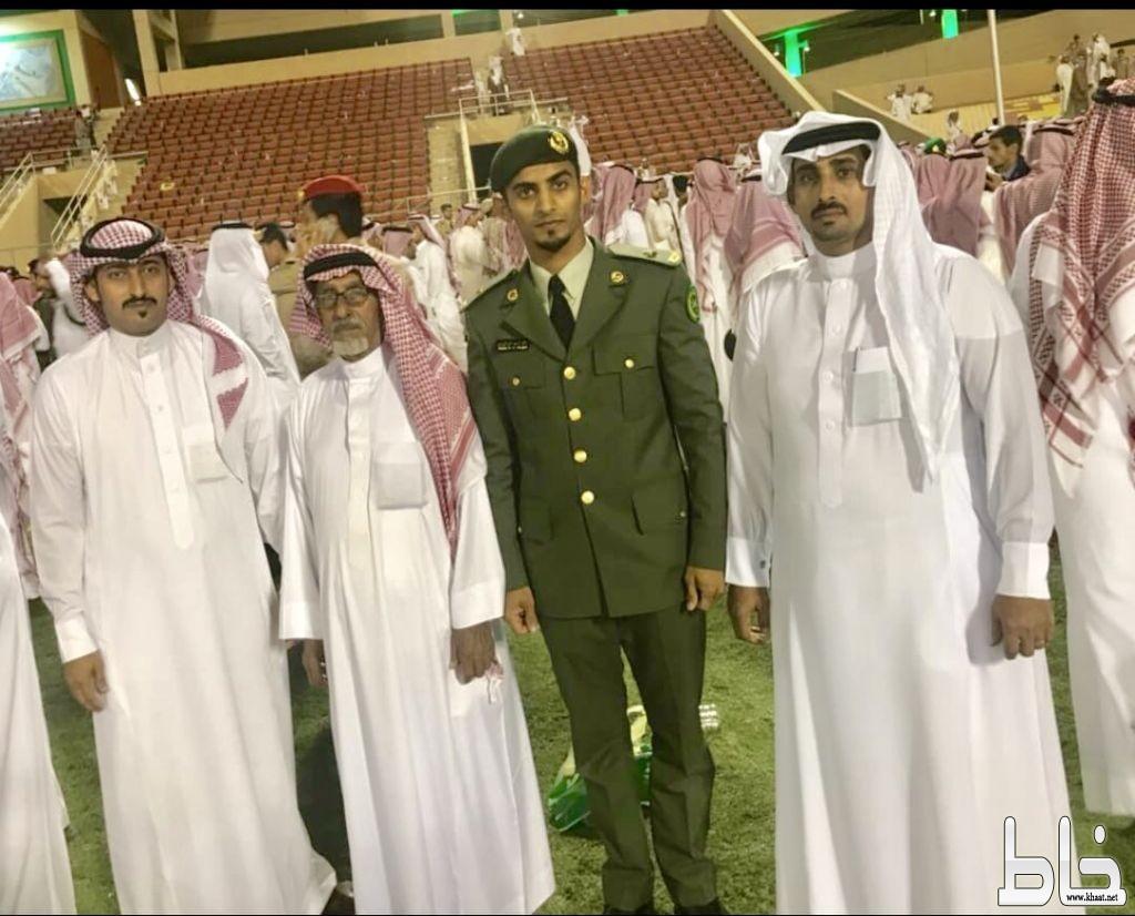 الملازم خالد أحمد علي الزيادي يحتفل بتخرجه
