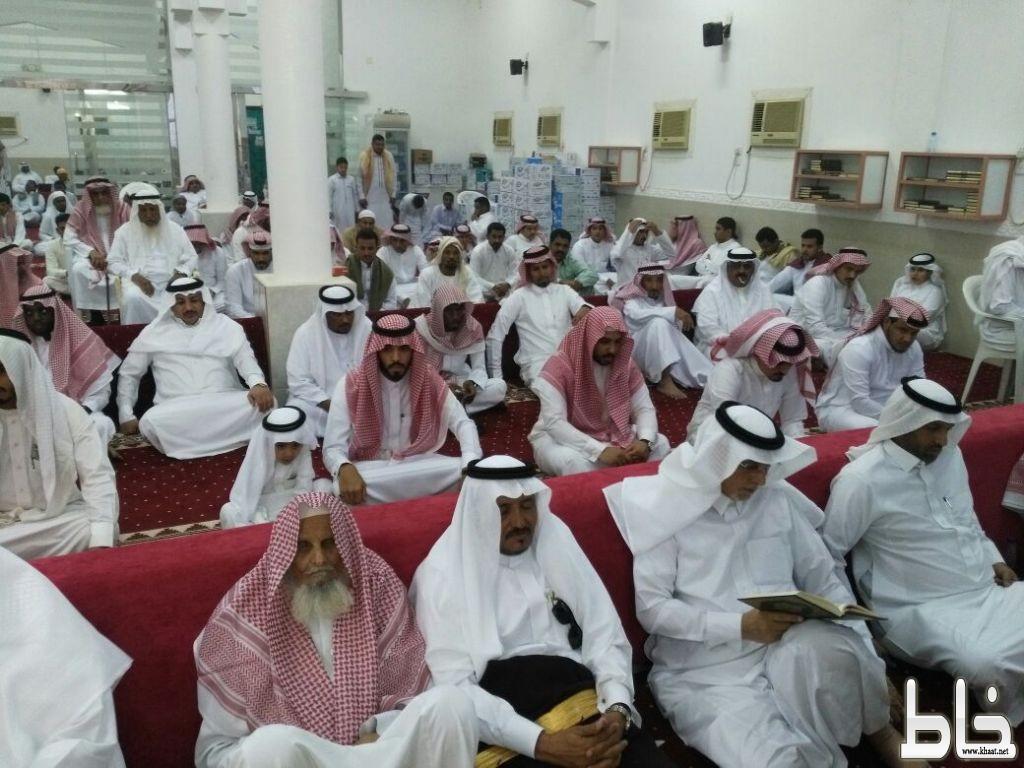 """**بالصور..أهالي* مركز """"عبس """"بمحافظة المجاردة يبرزون مظاهر العيد بالإفطار الجماعي*"""