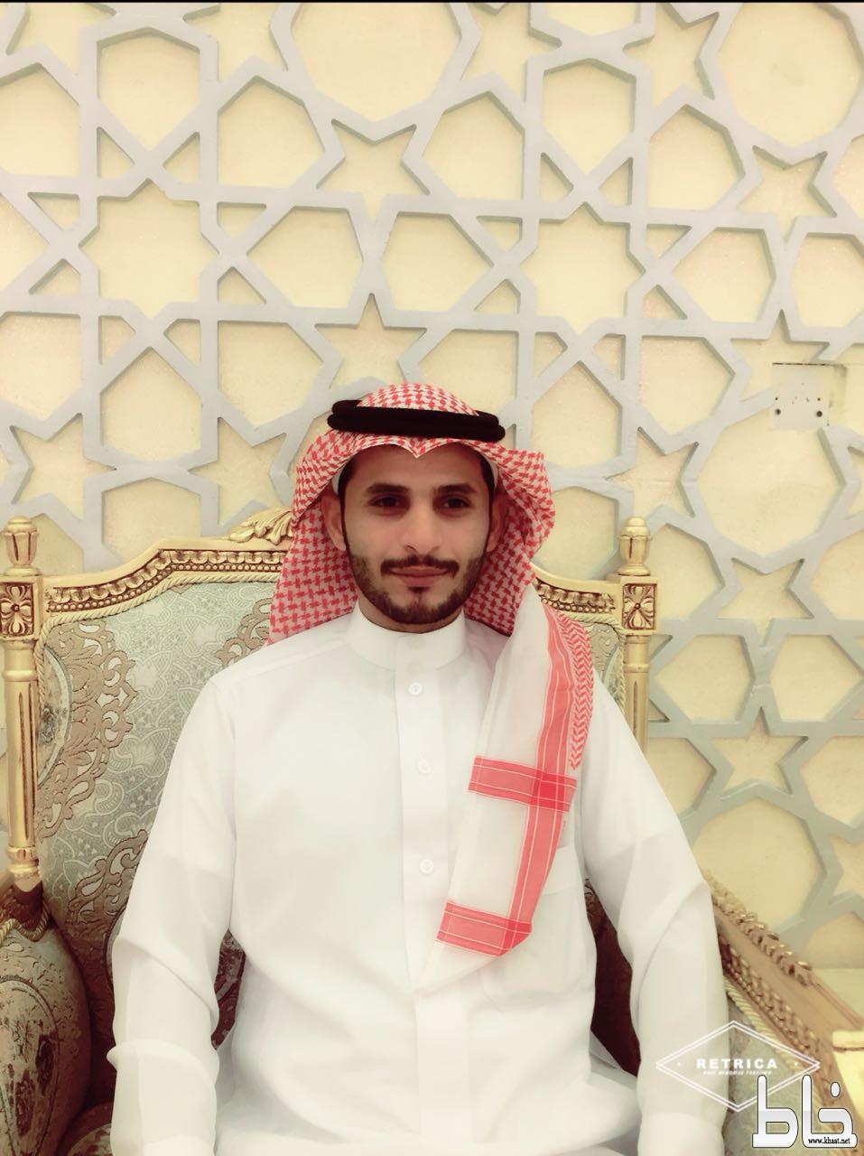 إياد يضئ منزل الأستاذ علي مديني