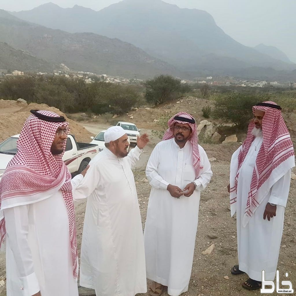 رئيس و عضو بلدي بارق يقومان بزيارة ميدانية لمركز ثلوث المنظر