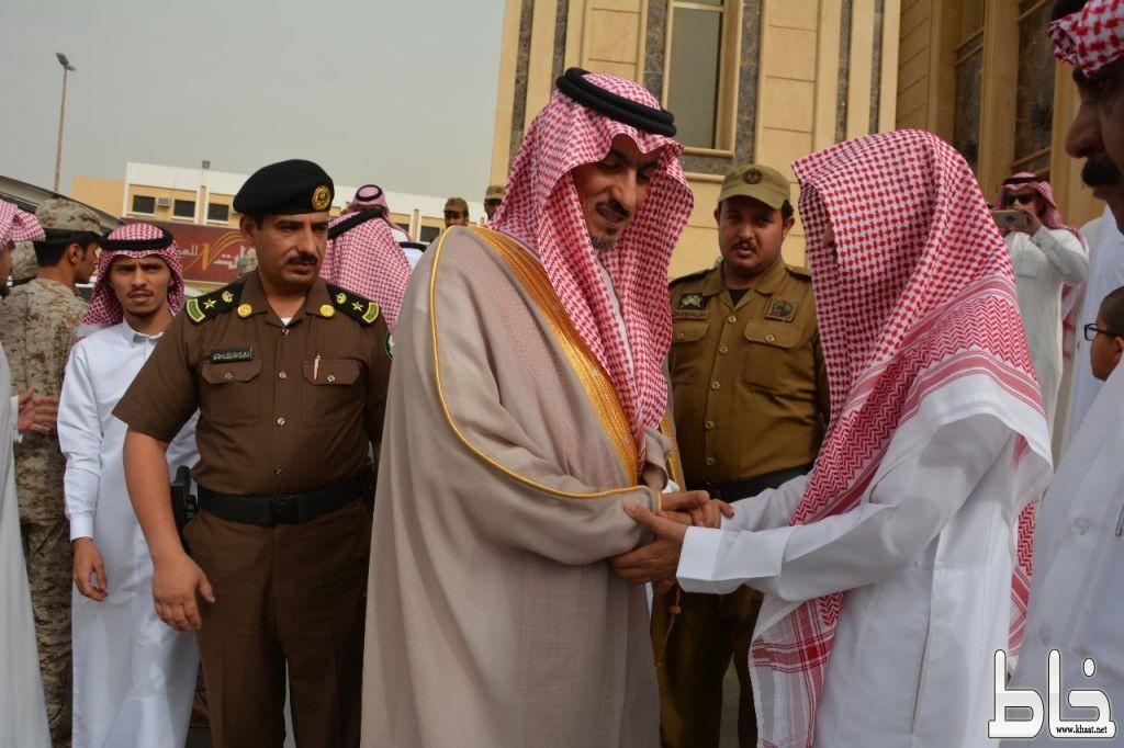 ابن مشيط ينقل تعازي القيادة  لأسرة  الشهيد الفيفي بخميس مشيط