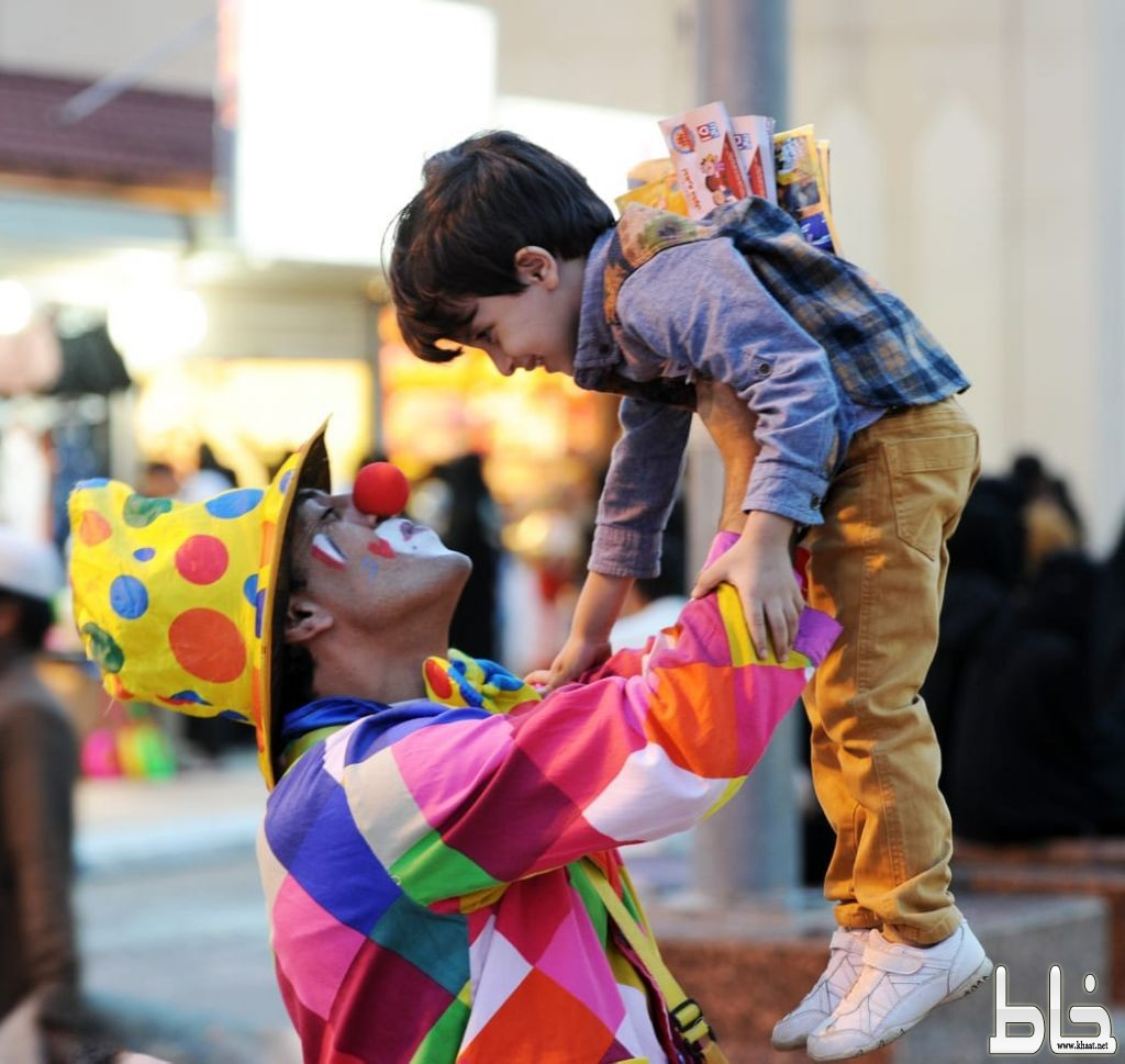 عدسة مهرجان أبها للتسوق تقتنص مشاهد مختلفة للزوار