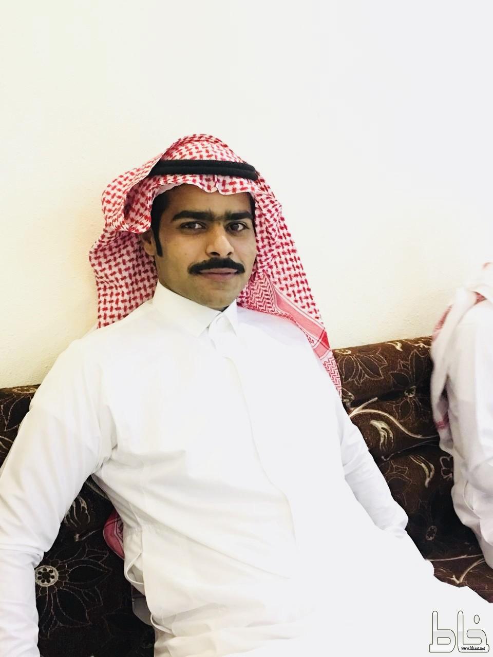 الشاب أبراهيم الشهري يحتفل بعقد قرانة