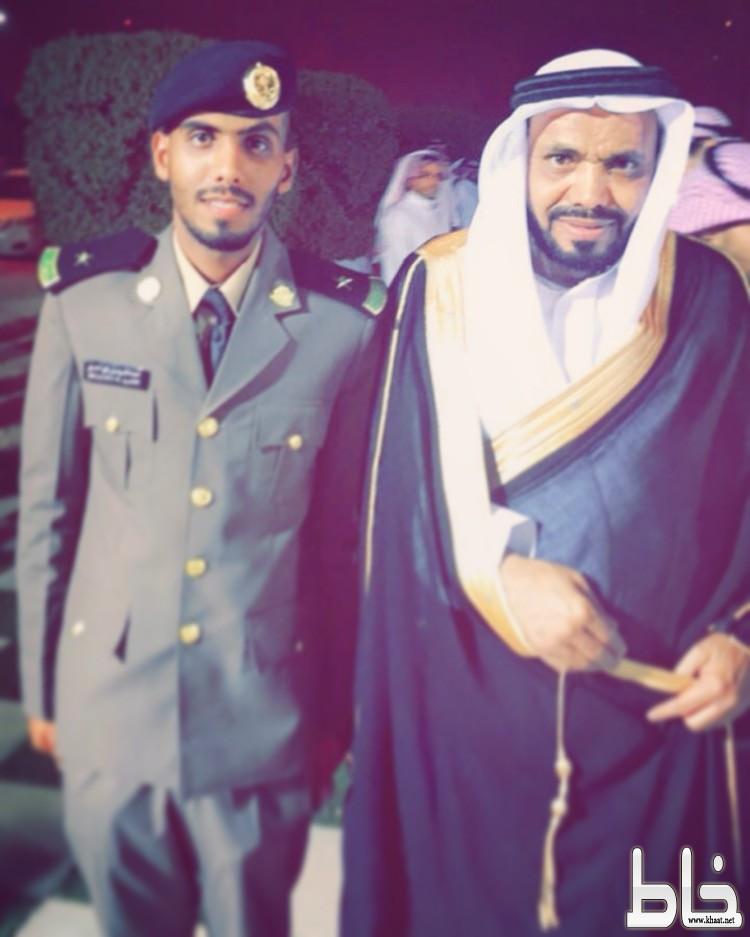 رافع العمري يحتفل بتخرج نجله عبدالكريم