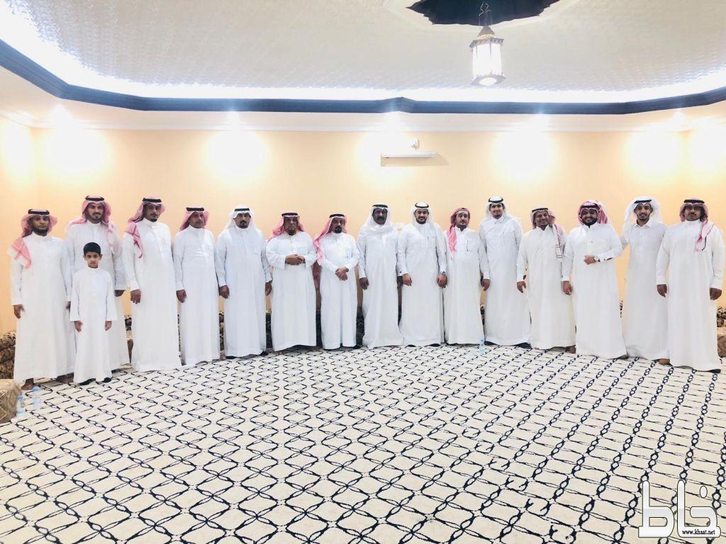 أسرة آل يماني يحتفلون بعقد قران ابنهم أحمد