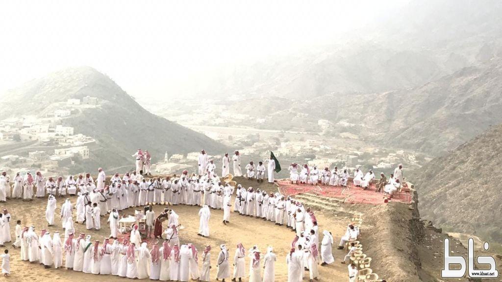 آل صميد الملحاء يحتفلون بيوم الوطن على أنغام التراث