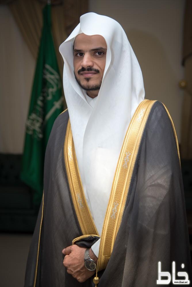 """""""فَوْقَ هامِ الحُبَّ"""" للشاعر الدكتور علي بن مشرف الشهري"""