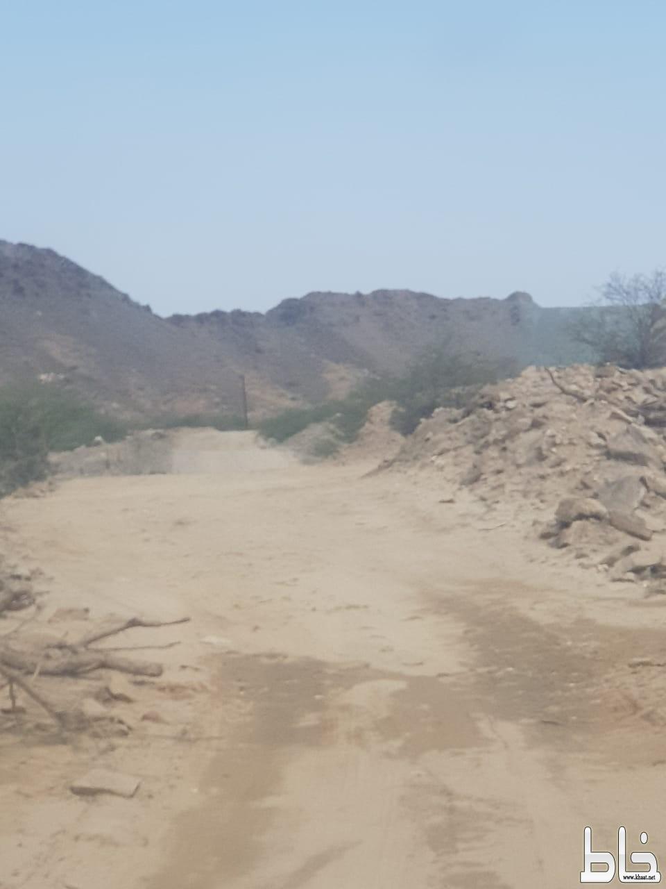مواطنون من خميس حرب يناشدون البلدية بسفلتة طريق وادي عرف