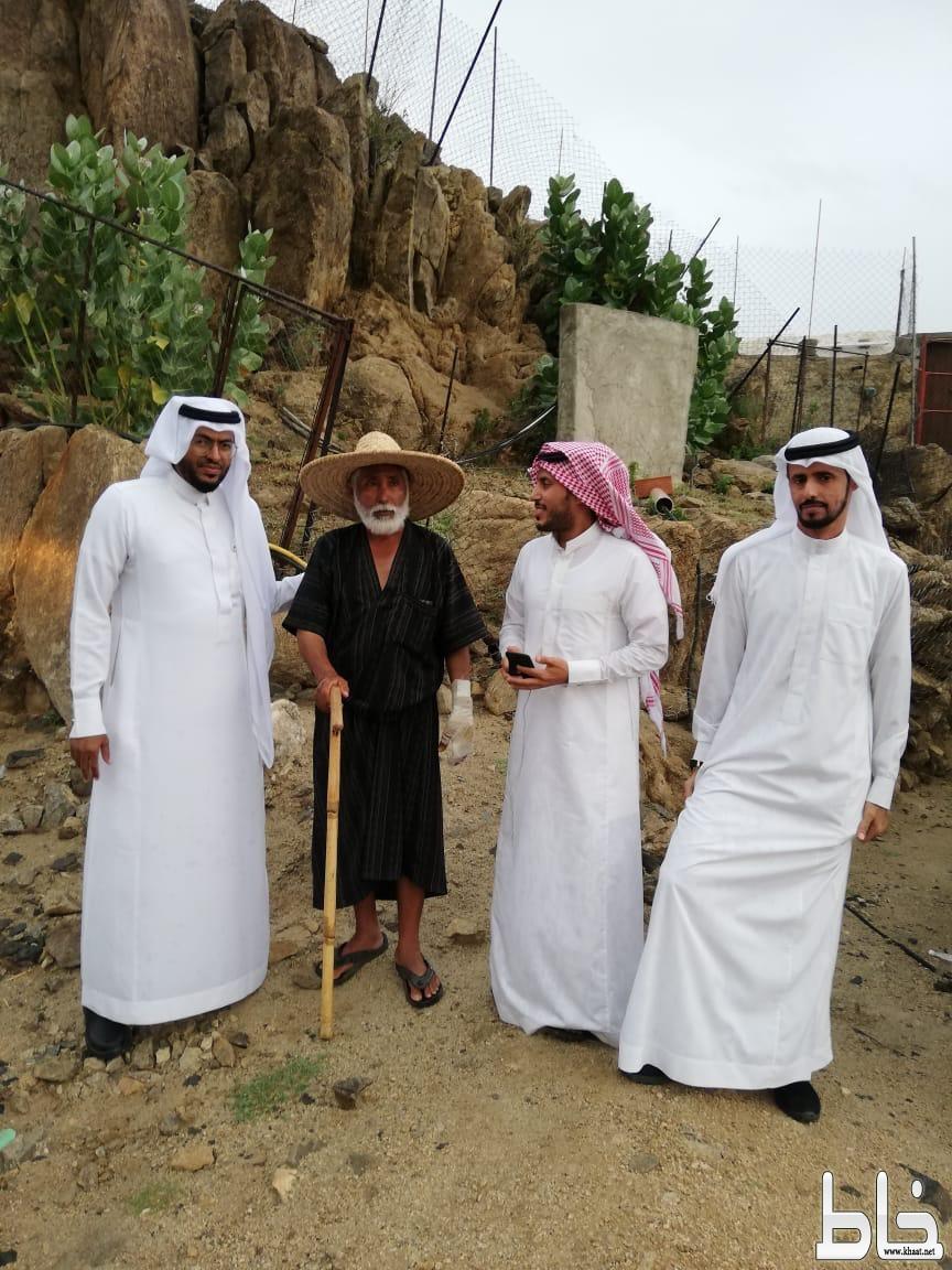 رئيس بلدي بارق و نائبه وعضو  المجلس في زيارة تفقدية لقرية آل هميل