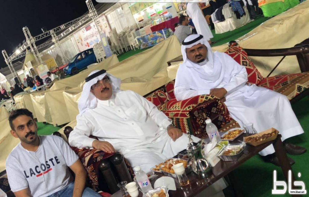 (آل حموض) يتفقد مهرجان المجاردة الشتوي للتسوق ويؤكد إقامة مهرجان العسل السابع في موقعه العام الماضي