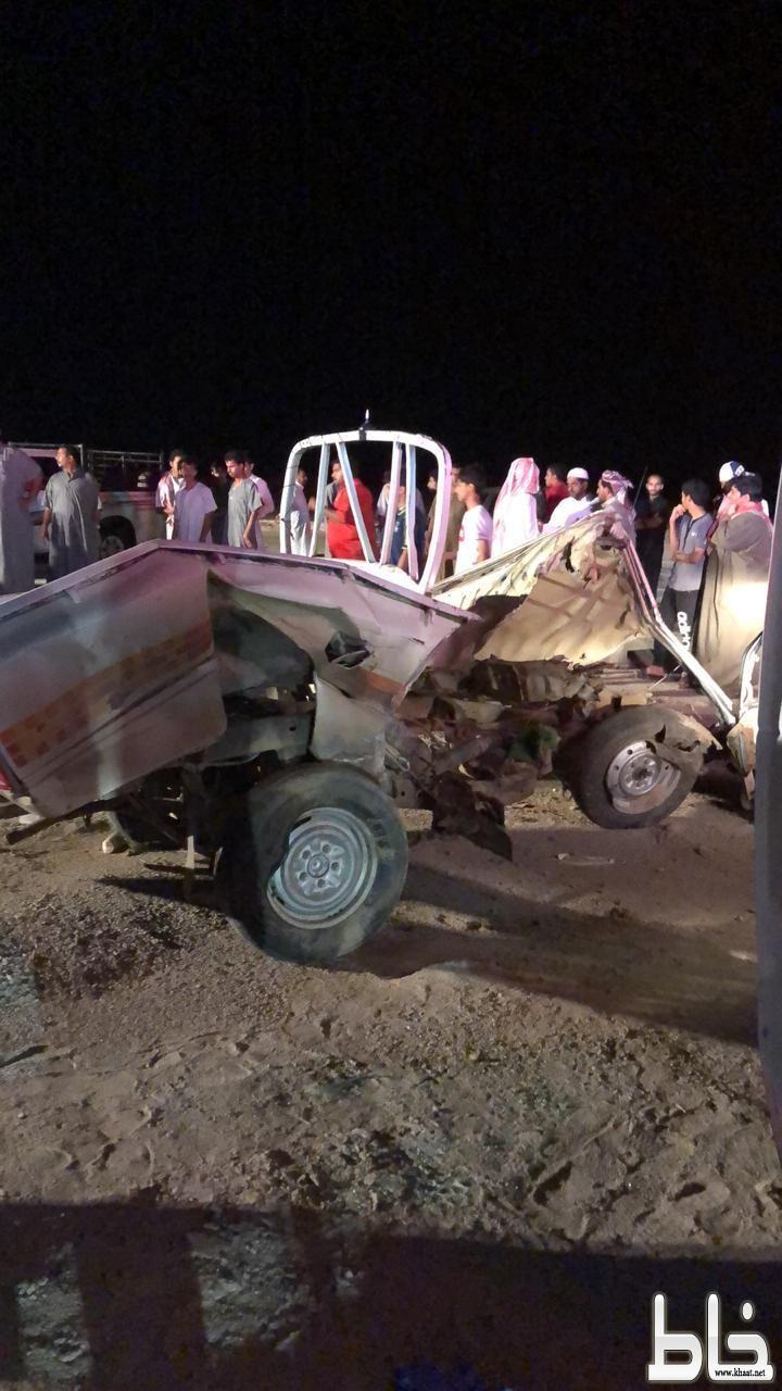اربع وفيات واصابتان اثر حادث مروع على طريق بارق الطحاحين