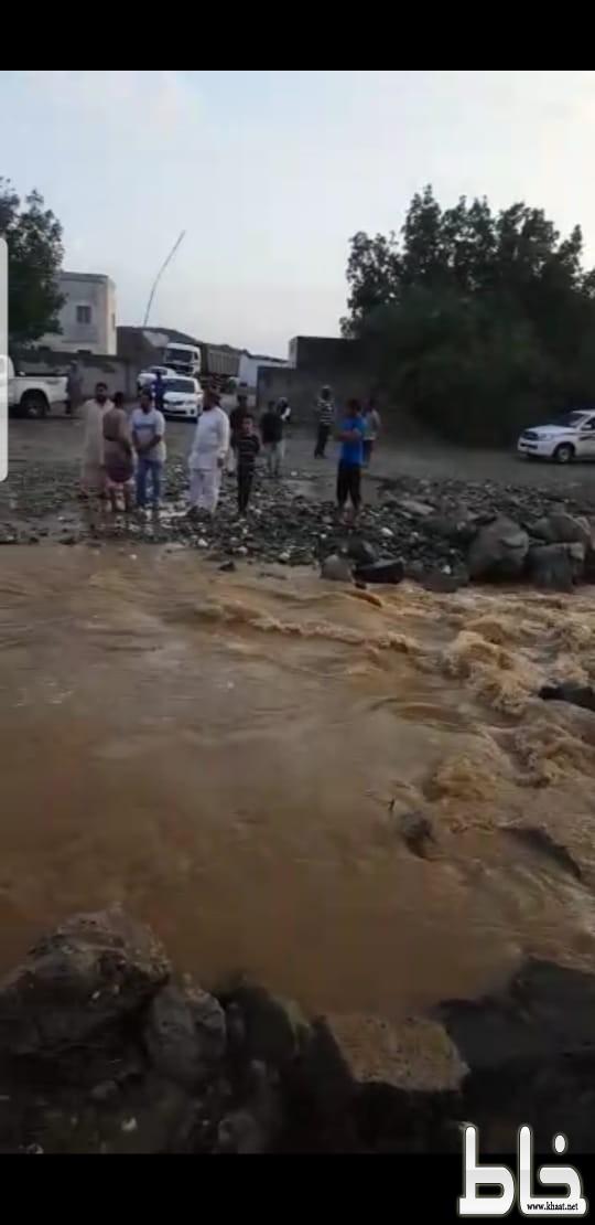 سكان الشيق وحوية يناشدون محافظ بارق والبلدية