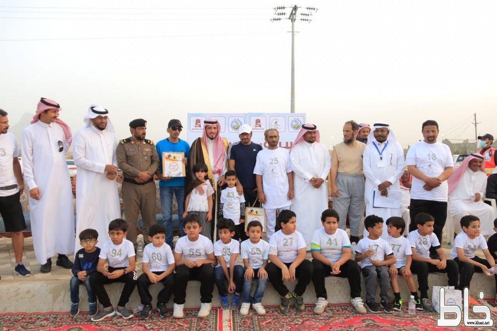 البناوي و البارقي يرعيان سباق كبار وصغار السن الذي نظمته بلدية بارق