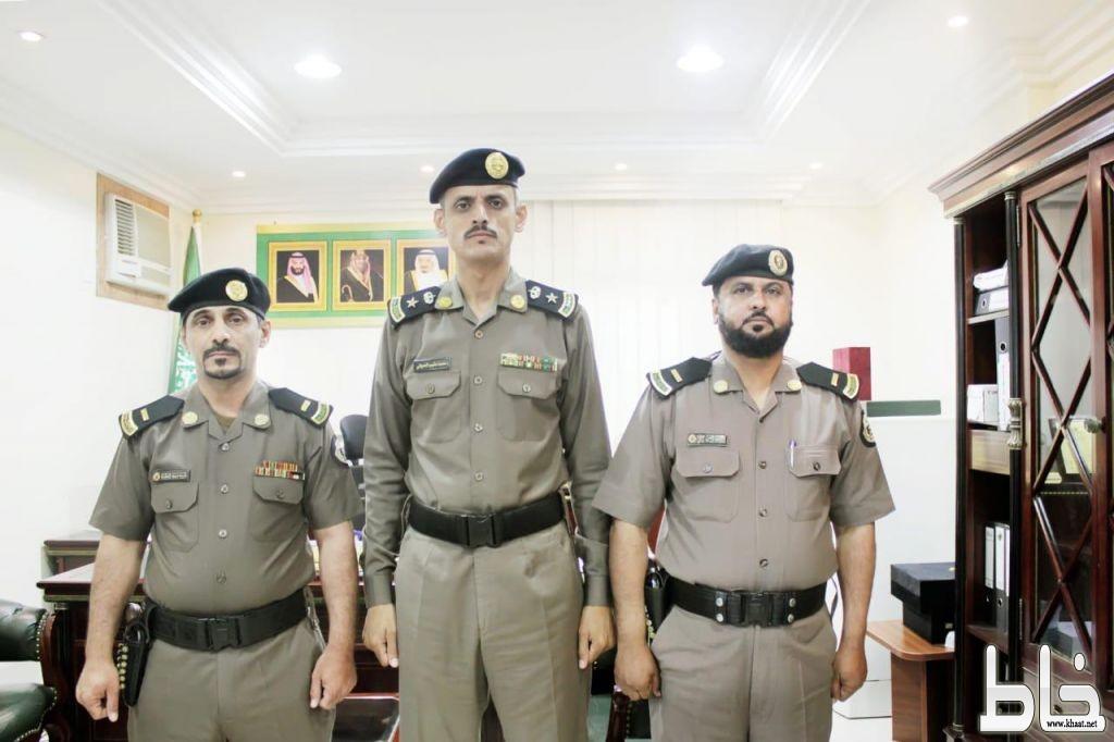المقدم العدواني يقلد عدد من افراد شرطة المجاردة رتبهم الجديدة