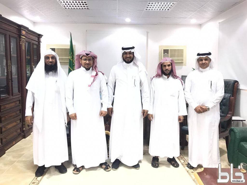قائد مدرسة الملك عبدالله بخاط وقائد المعهد العلمي بالمجاردة يتفقان على توقيع شراكة مجتمعية لخدمة ابنائهم الطلاب