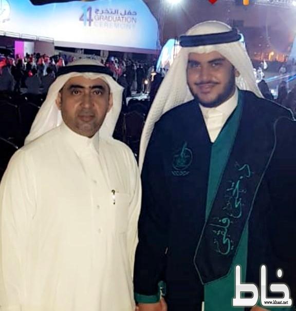 الفلقي يتلقى التهاني بمناسبة تخرج ابنه الدكتور يحيى من جامعة جازان
