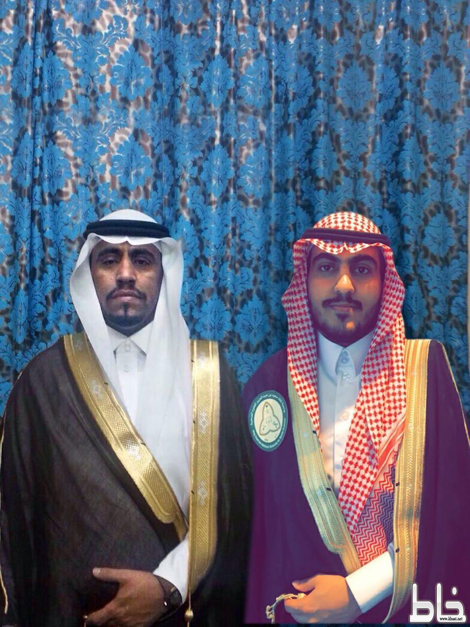 عبد الرحمن إل راشد الشهري يحصل على درجة البكالوريوس من جامعة الملك سعود للعلوم الصحية