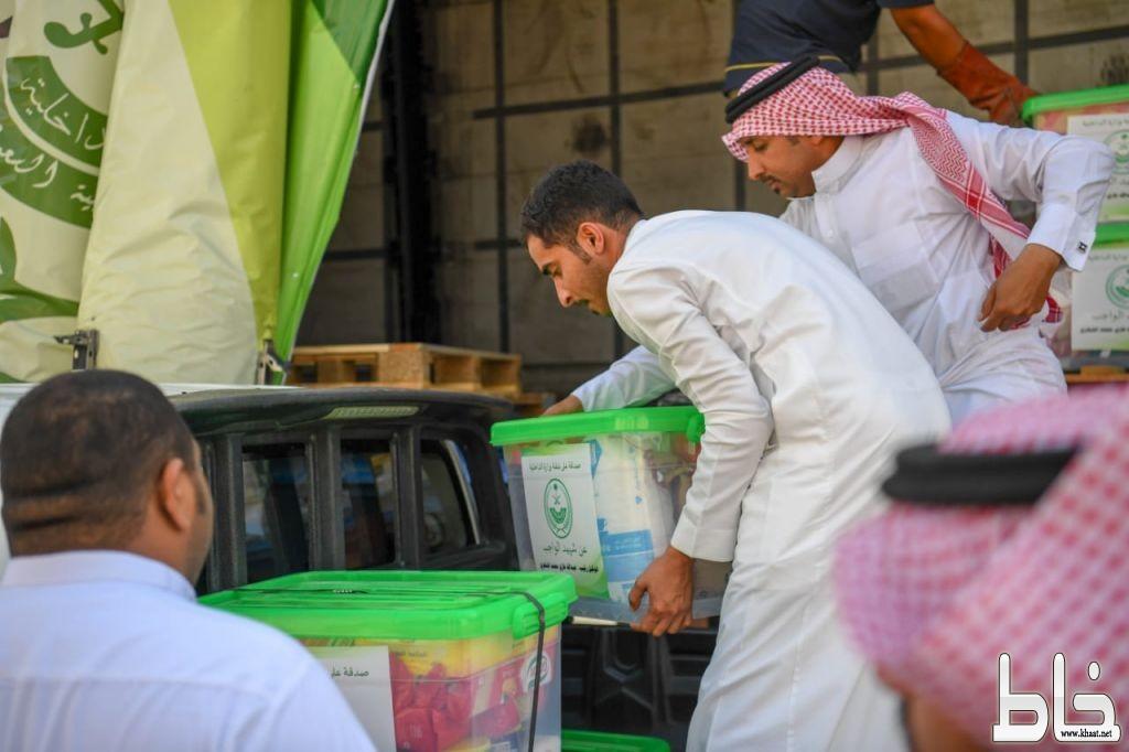 وكالة وزارة الداخلية للشؤون العسكرية توزع٤٠ سلة من المواد الغذائية صدقات عن شهداء الواجب بمحافظة المجاردة