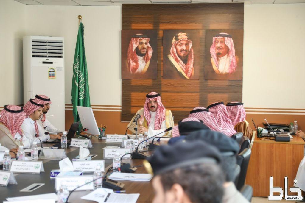 """أمير عسير يشيد بصدر الكرامة في """"محايل"""" ويشدد على توحيد الجهود والمطالب"""