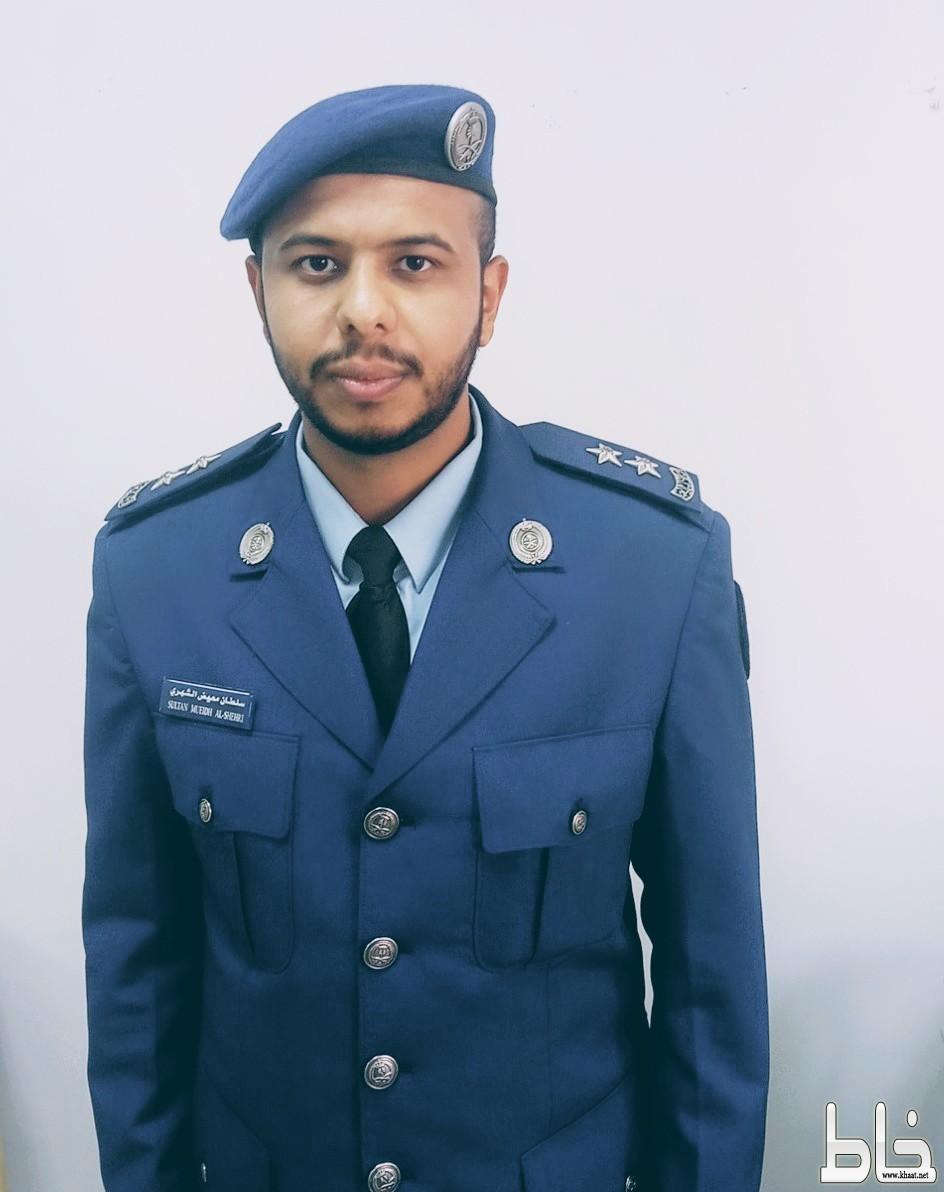 """"""" سلطان الشهري"""" يحتفل بتخرجه برتبة ملازم*أول طبيب.."""