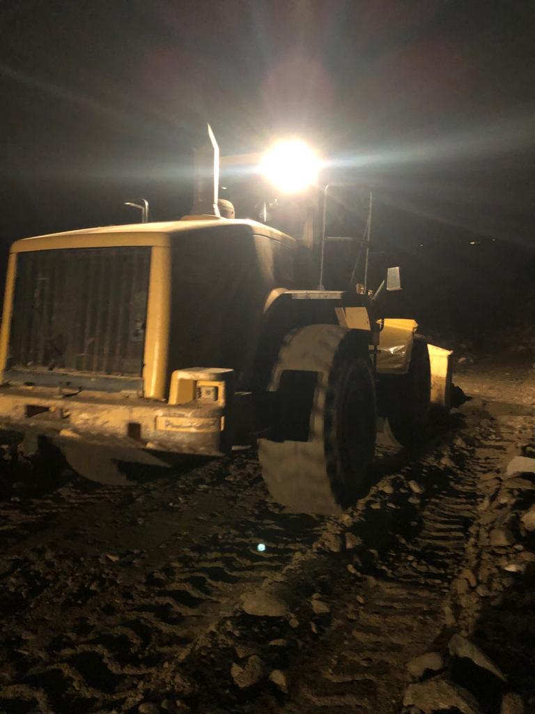 بلدية المجاردة تعيد فتح الطرق للقرى المعزولة بسبب الأمطار بمركز خاط