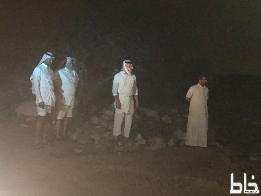 سكان الحصنة والبيضاء يشكرون رئيس مركز عبس والشرطة للوقوف على الأودية وفتح الطرق