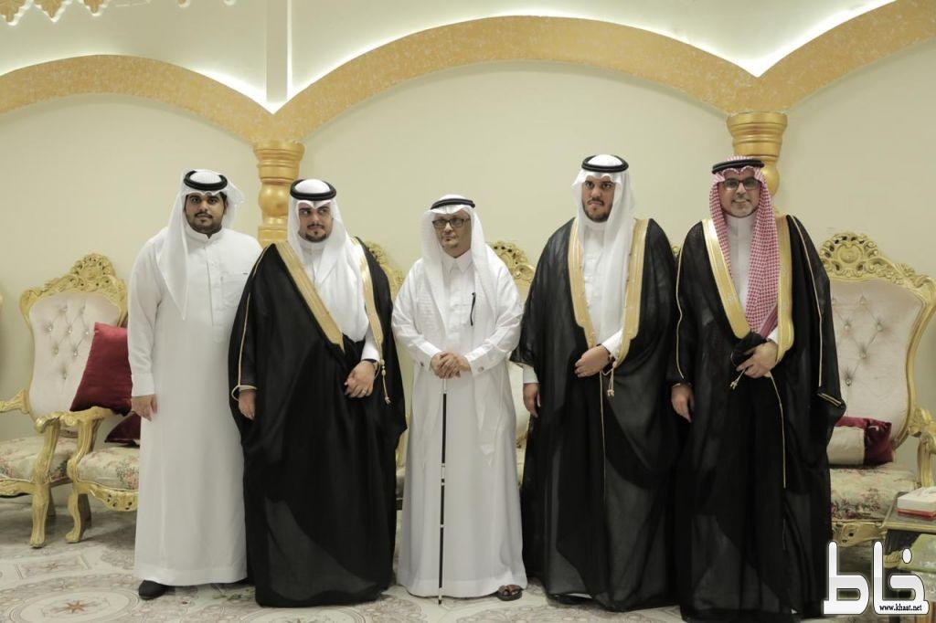 """الشابان """"حسن واحمد أبناء المرحوم عامر جابر العمري """" يحتفلان بمناسبة زواجهما بقاعة احلى الليالي المجاردة ."""