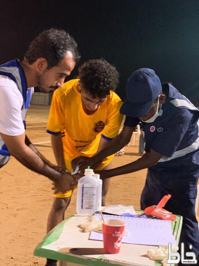فريق سواعد التطوعي بالقنفذة يقيم برنامجاً صحياً لقياس الضغط والسكر في بطولة شهداء الواجب بآل زياد
