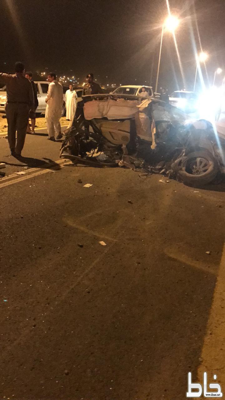 مصرع خمسة شباب وإصابة اثنين آخرين بحادث مروع بمركز خاط