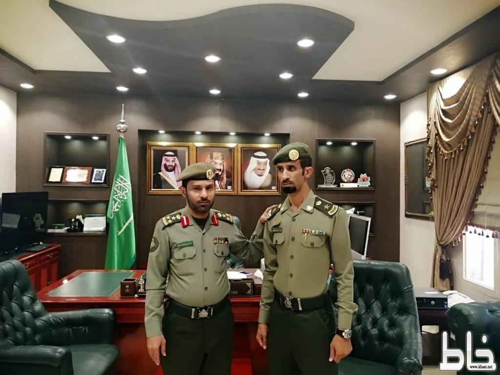 مدير جوازات عسير العميد سعد الحسين يقلد العمري رتبته الجديده
