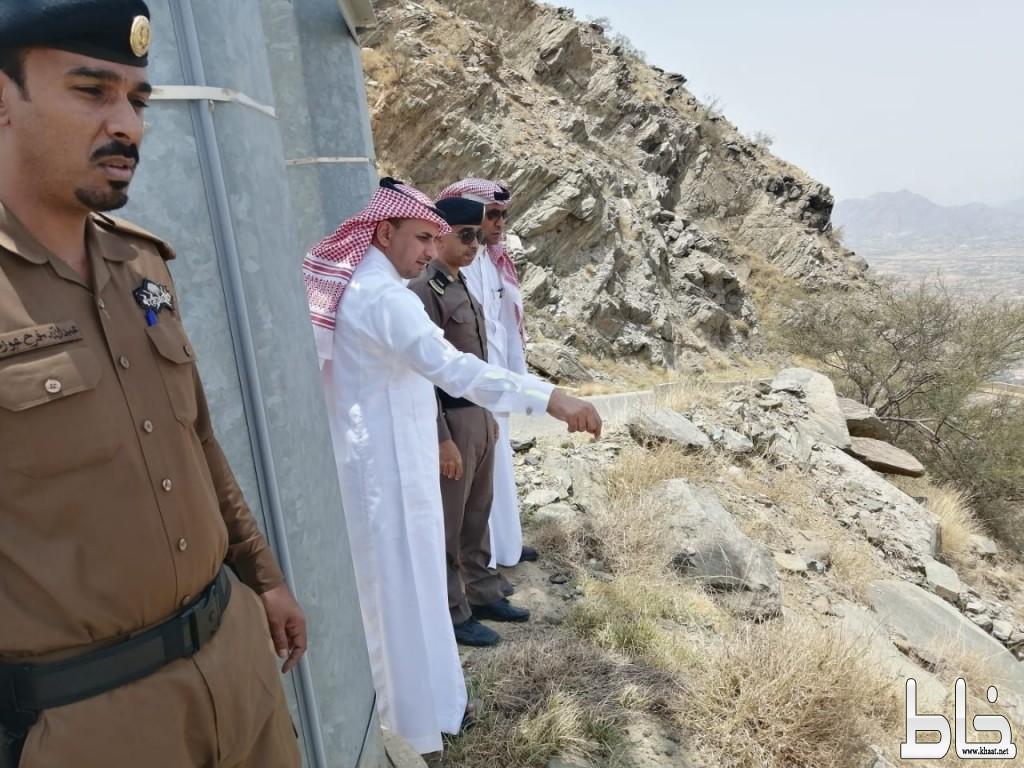 (العاصمي) يقف على طريق عقبة الجعدة وقرية فرشاط وجبل هادا  بتهامة بللسمر وبللحمر