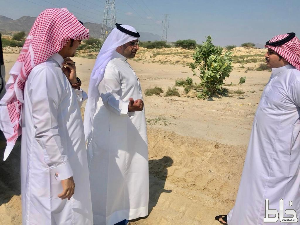رئيس بلدية بارق يوجه بفتح طريقي الستين في مخطط الإدارات الحكومية والمخطط الصناعي