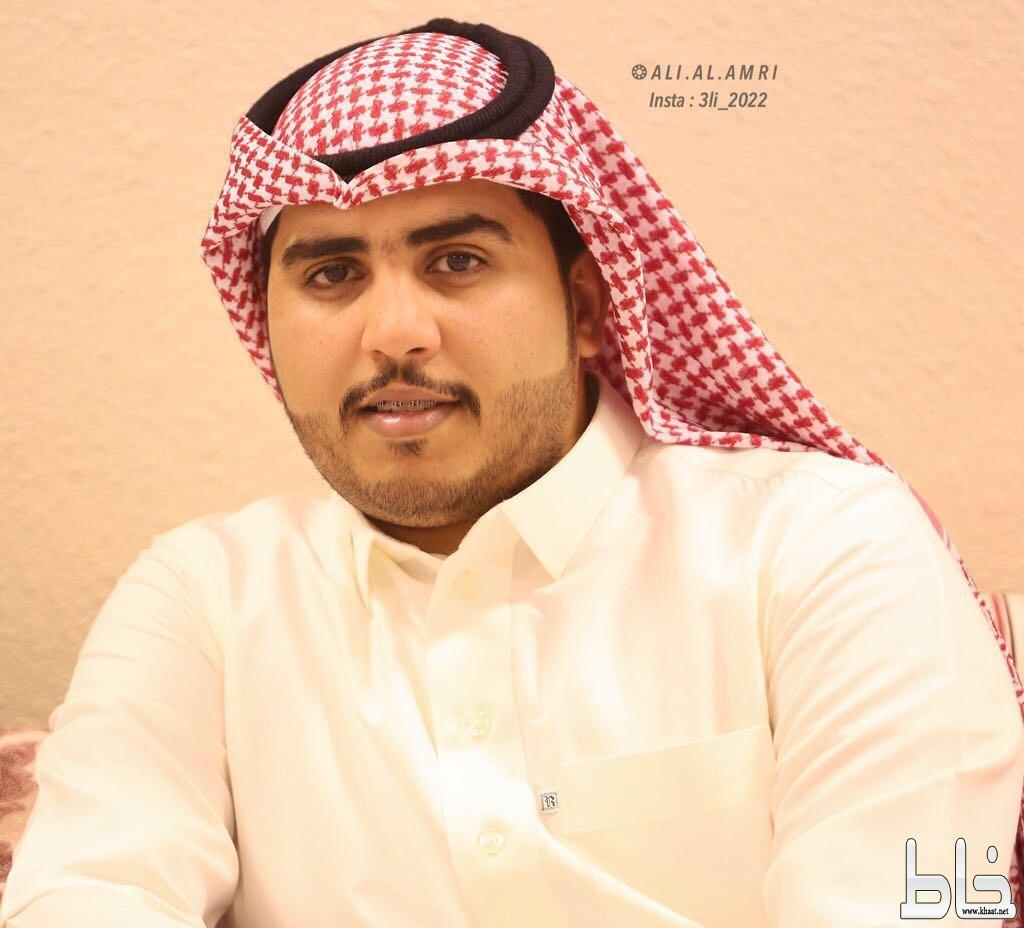 الاستاذ أحمد عوض العمري يحتفل بعقد قرانه