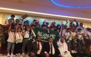 """استقبال حافل بـ""""الورود"""" لأبطال الرياضيات الذهنية في مطار الطائف"""