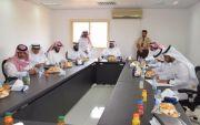 معالي محافظ هيئة تنظيم الكهرباء الدكتور عبدالله الشهري يزور المجاردة ويلتقي المواطنين
