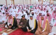 بالصور : الزيداني رئيس مركز خاط والاف المصلين يؤدون صلاة العيد بمركز خاط
