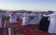 آل شغيب القف يؤدون صلاة عيد الفطر المبارك
